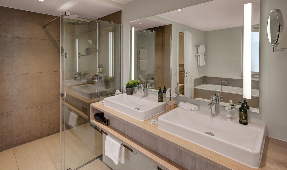 Hotel Die Sandburg Langeoog - Suite Bad